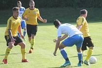 Fotbalisté Libhoště (ve žlutém) doma i ve druhém utkání v sezoně rozhodli o výhře v samotném závěru zápasu a pohybují se tak v popředí tabulky I.A třídy, skupiny B.