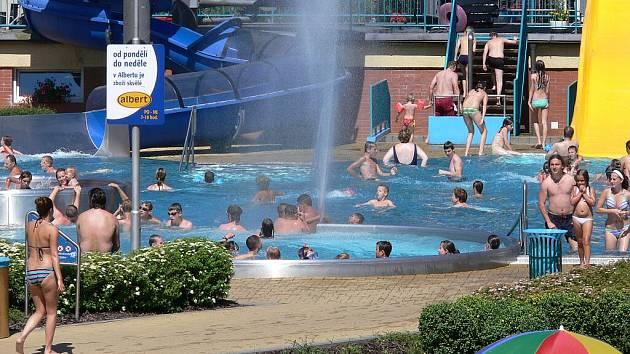 Aquapark Frenštát je v horkých letních dnech vyhledávaným místem i kvůli atrakcím, které nabízí.