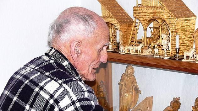 Antonín Jařabáč při oslavě 98. narozenin.