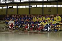 Premiérové setkání po třiceti letech si o víkendu užili bývalí hokejisté Kopřivnice.