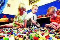 LEGO. Které dítě by si nezatoužilo pohrát si s touto stavebnicí?