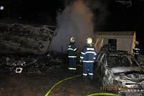 Snímek ze zásahu u požáru chatky v Trojanovicích.