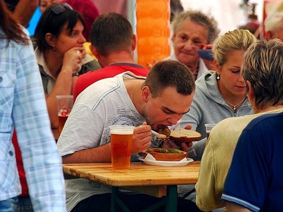 Rovný tucet gulášů mohli ochutnat labužníci na tradičních frenštátských Gulášových slavnostech.