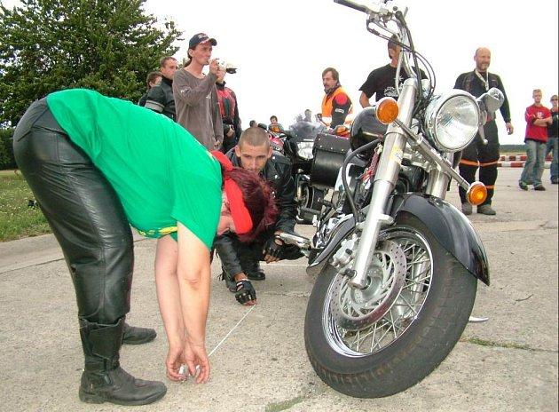 Motorkáři vydělali necelých 14 tisíc korunu pro Dětské domovy v Olešné, Melči a Fulneku.