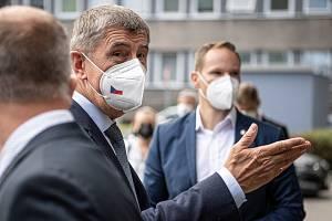 Premiér Andrej Babiš navštívil Zdravotní ústav v Ostravě, 15. července 2021.