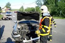 Ve čtvrtek 13. června zasahovali hasiči u nehody osobního auta a motocyklu. Zraněn byl motorkář.