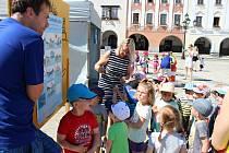 Den bez úrazu 2019, tak se jmenovala akce, které se ve středu 5. června na Masarykově náměstí v Novém Jičíně zúčastnili zejména školáci.