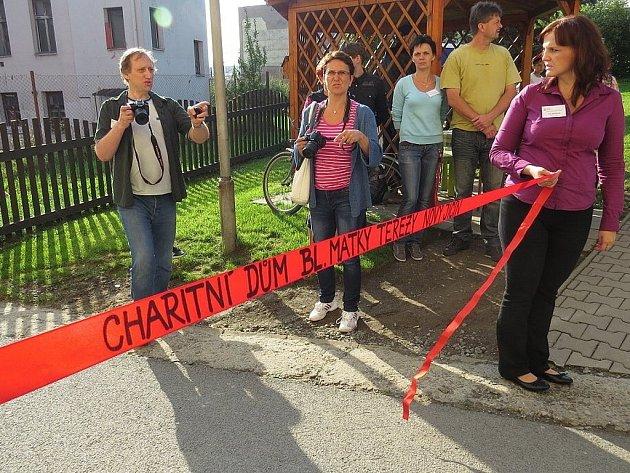 Den sociálních služeb v Novém Jičíně. Charitní dům se na chvíli otevřel pozvaným návštěvníkům.