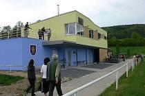 Nové kabiny otevřeli ve čtvrtek 8. května ve sportovně rekreačním areálu v Odrách.