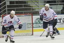 Čtyři body ze dvou zápasů získali minulý týden novojičínští hokejisté a jsou zpět v boji o play-off.
