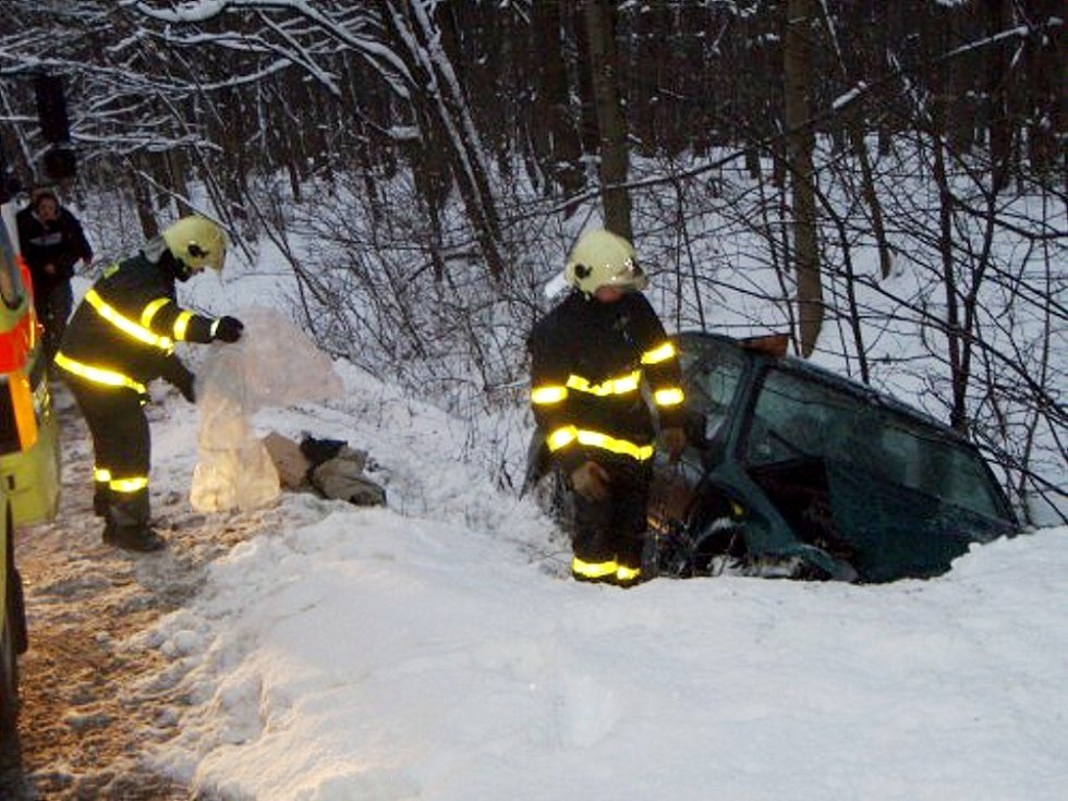 Dvě zraněné osoby si vyžádala dopravní nehoda ve čtvrtek 20. února u bývalých Sirkových lázní nedaleko Nového Jičína.
