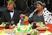 Valérie Zawadská, královna českého dabingu a Sněženkového království a Jiří Prager, rytíř Sněženkového království, se v roce 2012 slavnostně zasnoubili.