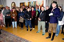 Kastelán Eduard Valeš (vpravo) loni přivítal na bíloveckém zámku tisíce lidí.