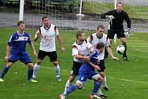 Fotbalisté Nového Jičína (v bílém) si v Brumově připsali druhou bezbrankovou remízu v probíhající sezoně.