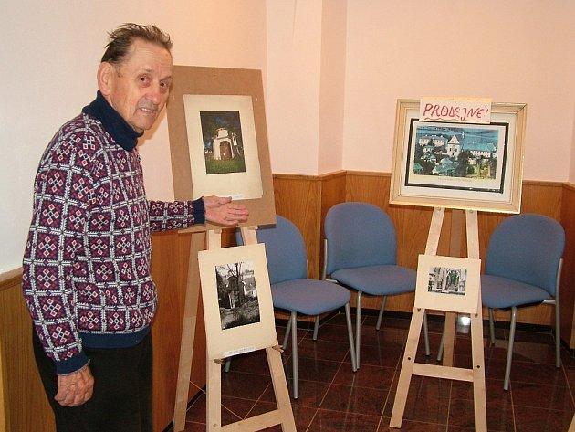 Ladislav Lušovský chce svou sbírku prodat, neboť se stěhuje.