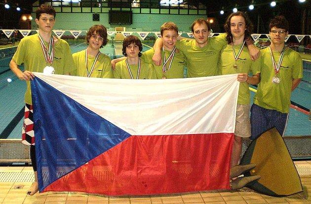 Úspěšní plavci KVS Laguna Nový Jičín přivezli ze světového poháru v Maďarsku pěknou sbírku medailí.