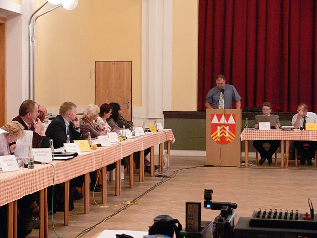 Již brzy budou mít všichni příborští zastupitelé před sebou notebook s celou agendou.