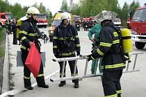 Pravidelné taktické cvičení absolvovalo 11 jednotek požární ochrany v druhém stupni poplachu v pondělí 27. dubna dopoledne ve skladu pohonných hmot Čepro v Sedlnicích.