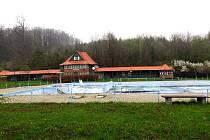 Koupaliště ve Štramberku-Libotíně patří k velmi oblíbeným. Minimálně do června 2022 ale bude kvůli opravám a úpravám zavřené.