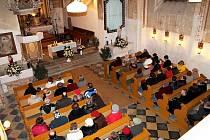 Opravené varhany v kostele ve Fulneku-Jerlochovicích se opět rozezvučely při koncertě v neděli 8. ledna.