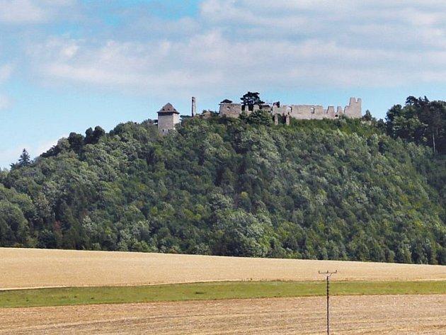 Hrad Starý Jičín stojí za návštěvu vkaždém ročním období.