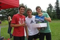 Turnaj ve Frisbee.
