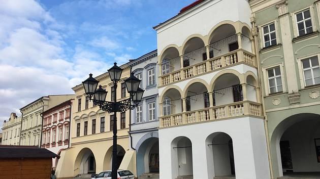 Renesanční dům zvaný Stará Pošta na Masarykově náměstí v Novém Jičíně.