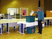 V Novém Jičíně chodili voliči do volebních místností čísel 5 a 10 již od prvních minut.