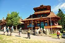 Zvláštní ocenění v soutěži Stavba roku získala rekonstruovaná chata Libušín na Pustevnách.
