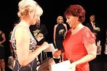 Při slavnostní ceremoniálu vBeskydském divadle byly oceněny osobnosti z oblasti školství, kultury a sociální sféry.