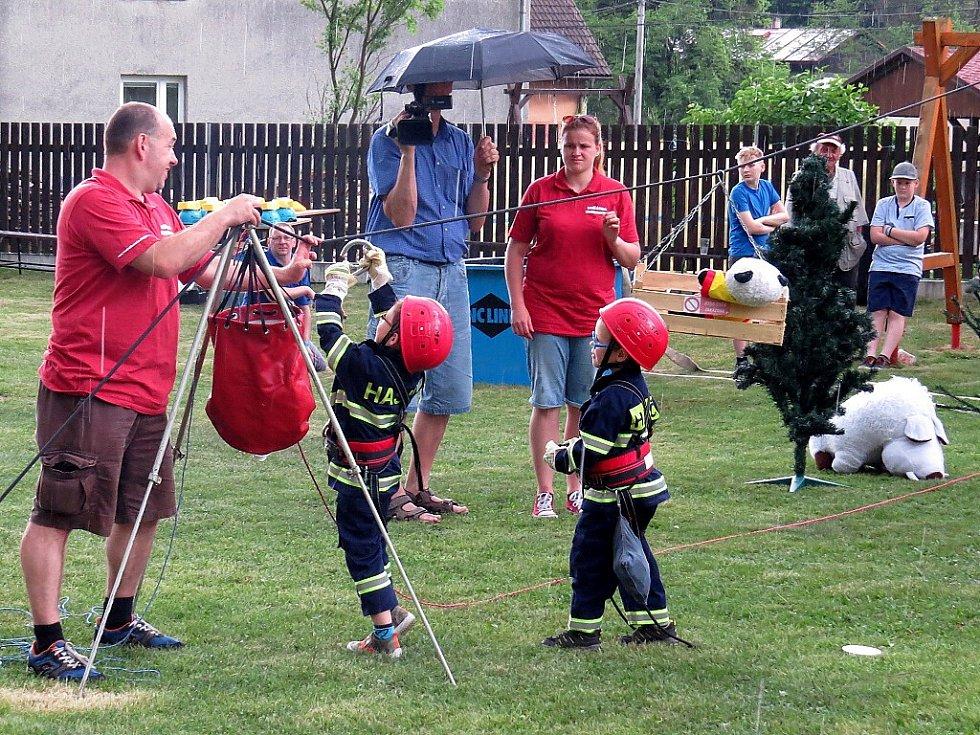 Oslavy 130. výročí vzniku sboru slavili v sobotu 28. května dobrovolní hasiči v Lukavci, místní části Fulneku.