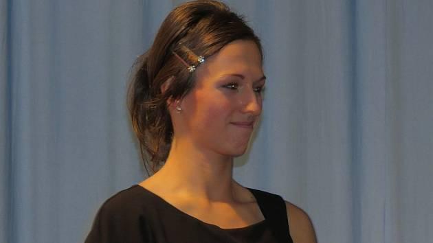 Jana Madecká, moderátorka a organizátorka taneční přehlídky školek.