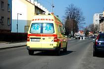 Sanitky odvezly do nemocnic pět zraněných.