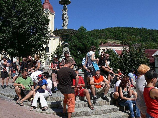 Netradičním druhům piva, nabízeným při Pivních slavnostech ve Šrtamberku, odolal málokdo.