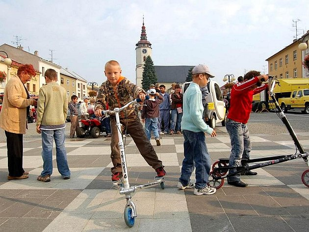 Evropský týden mobility vyvrcholil v Bílovci v úterý 22. září na Slezském náměstí.