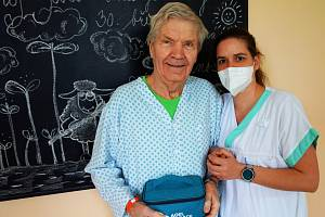 Balíčky pohody od Nadace Agel obdrží každý klient Léčebného a rehabilitačního pracoviště ve Vítkově při propuštění do domácí péče.