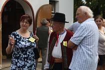 Do Trojanovic se již pošesté sjeli členové rozvětvené rodiny Strnadlů, a to nejen z Česka, ale také ze Slovenska a Dánska.
