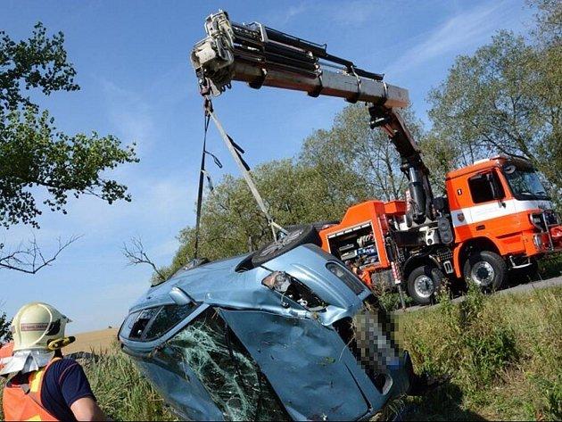 O štěstí může hovořit řidička osobního automobilu Volvo V50, která projížděla ve čtvrtek 20. srpna před půl desátou dopoledne Bravanticemi.
