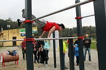 Workoutové hřiště ve Štramberku otevřeli loňský a letošní mistři České republiky ve street workoutu.