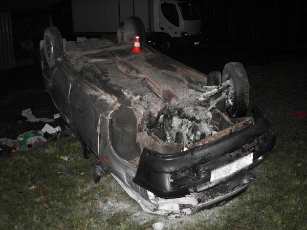 Nehoda mladého řidiče vKuníně.