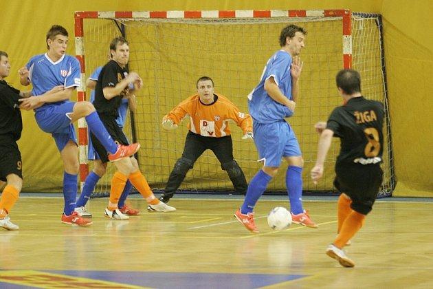 Futsalisté Jistebníku byli v dohrávaném utkání 7. kola futsalové ligy favority. Nakonec získali bod díky střelecké potenci Ivo Maruchniče, který dal všechny tři branky hostů.