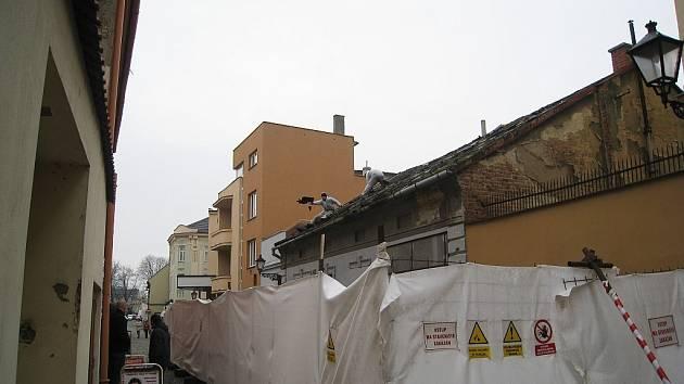 Dům v Resslově ulici do deseti dnů zmizí.