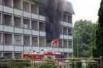 Téměř milionovou škodu napáchal v pondělí odpoledne požár ubytovny v Odrách na Nové ulici.