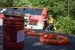 U nehody autobusu ve Výškovicích zasahovali hasiči.