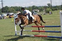 Stáj TJ JK Trojanovice hostila skokové, pony i drezurní závody.