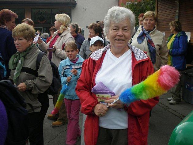Na pochod všech generací městem Kopřivnice se v sobotu odpoledne vydalo na padesát lidí.