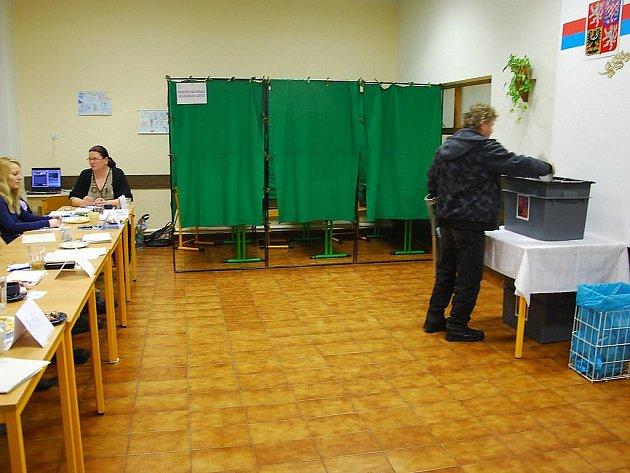 Volební sobotu zažili občané Libhoště, obce, která se k prvnímu dni roku 2011 odtrhla od Nového Jičína.