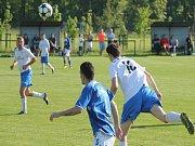 PETŘVALDŠTÍ fotbalisté (v bílém) prohráli venku podruhé v řadě.