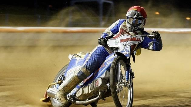 Na ploché dráze v Kopřivnici se v neděli uskutečnil závod k uctění památky loni zesnulého motocyklového závodníka Michala Matuly. Ilustrační foto.