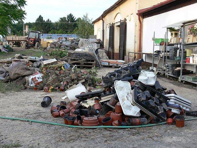 Občané Jerlochovic kritizují přístup města od poslední povodně.